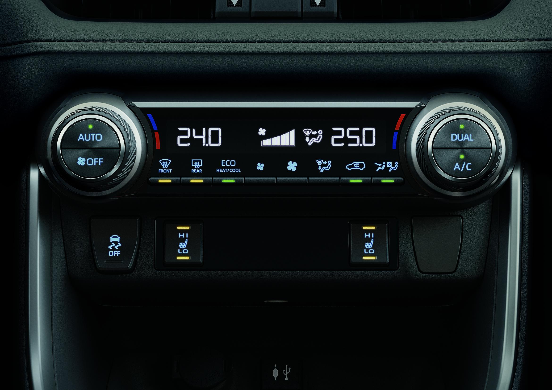 La nueva Rav4 HV posee un nuevo climatizador automático Bi-zona!