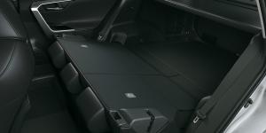La nueva Rav4 HV cuenta con su 2 fila de asientos rebatibles para darte mayor espacio de carga!